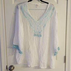 White with blue tassels 2x light weight blouse